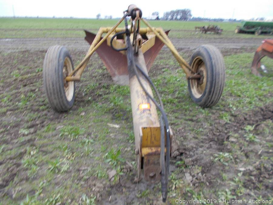 TOWNER HYDRAULIC V DITCHER